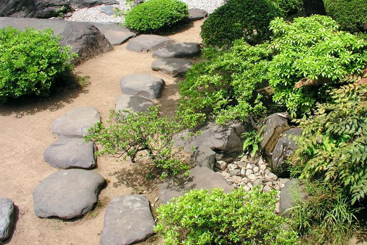 園路・飛び石
